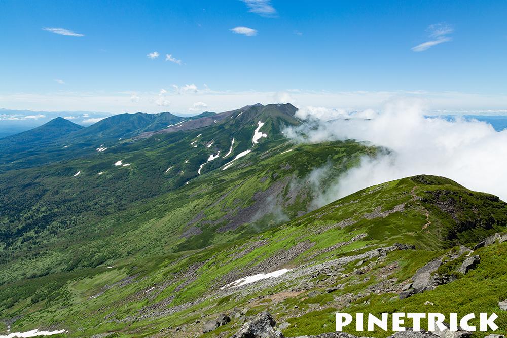オプ山頂からの十勝岳方面