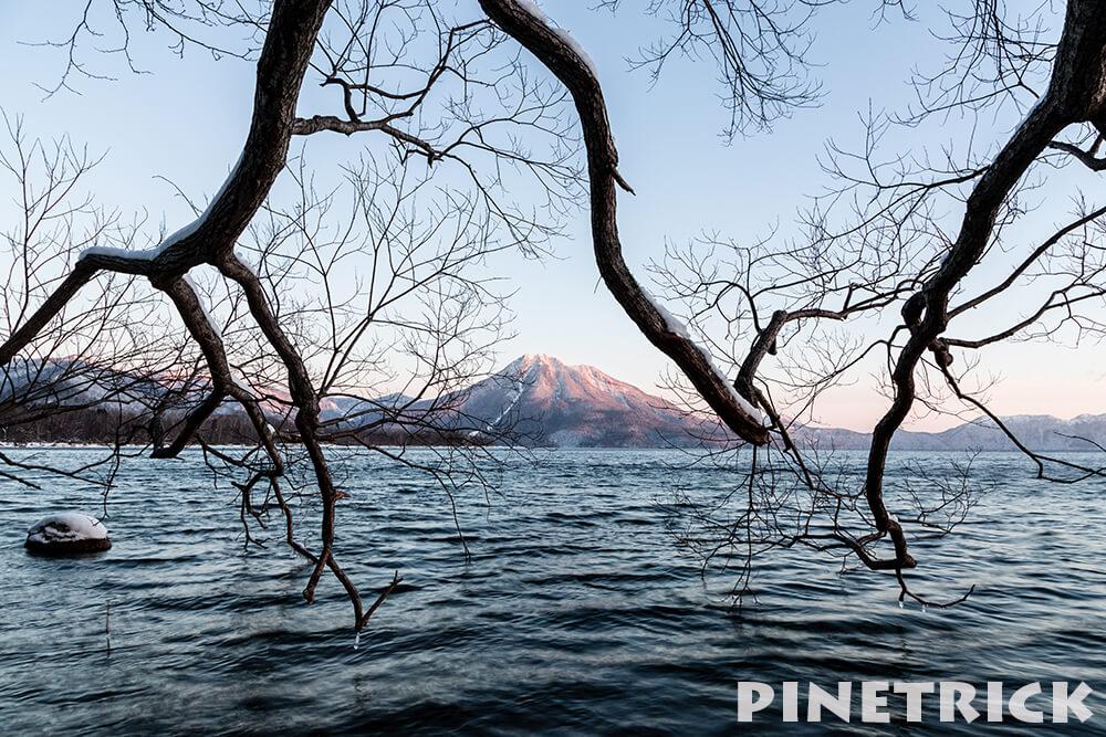 恵庭岳がピンクに染まる 支笏湖 美笛