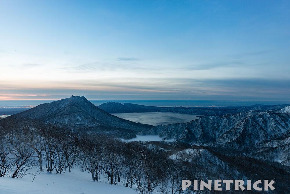 恵庭岳と支笏湖とオコタンペ湖