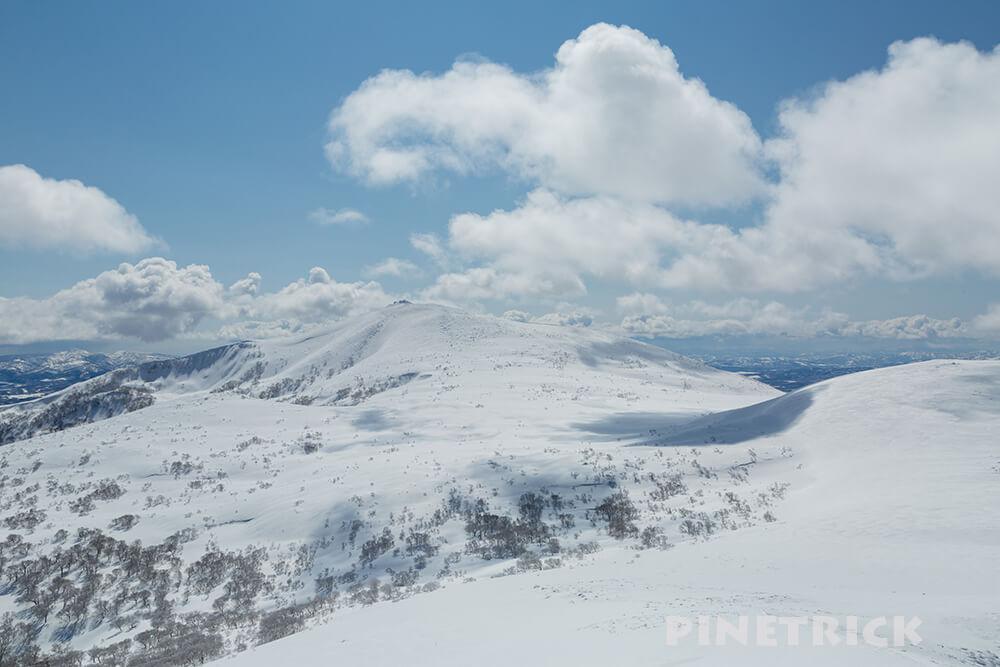 目国内岳 山スキー 岩内岳 山頂