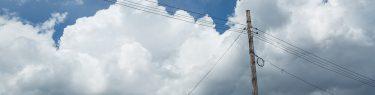 電柱 木 雲 青空