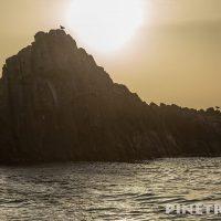 岩 海 カモメ  夕日 黄砂