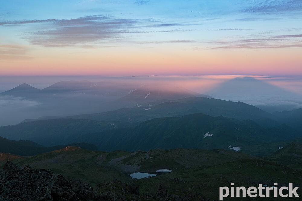 十勝岳連峰 トムラウシ山 影トム