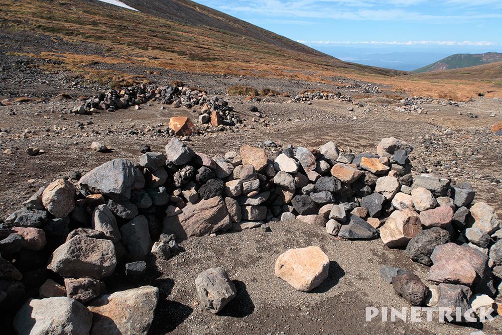 裏旭キャンプ指定地 風よけ サークル 石