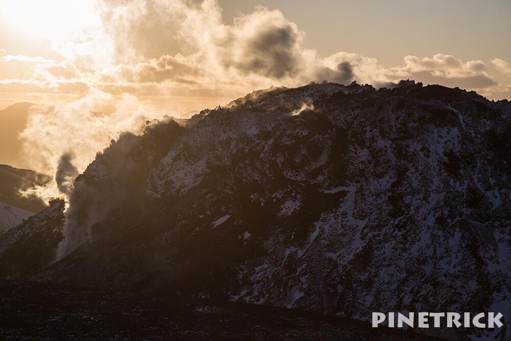 樽前山 溶岩ドーム 苫小牧市  噴煙 登山