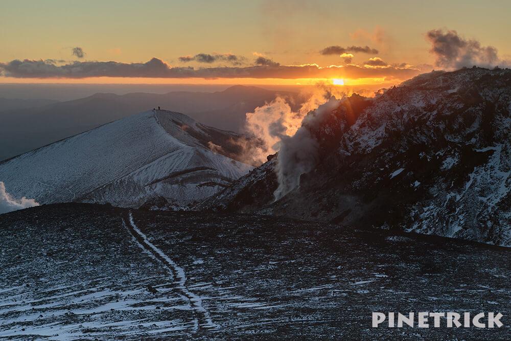 樽前山 溶岩ドーム 苫小牧市 西山 噴煙 登山