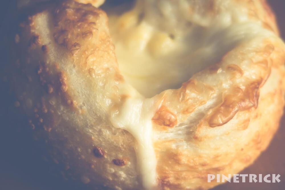 heart bread antique とろりんチーズフランス