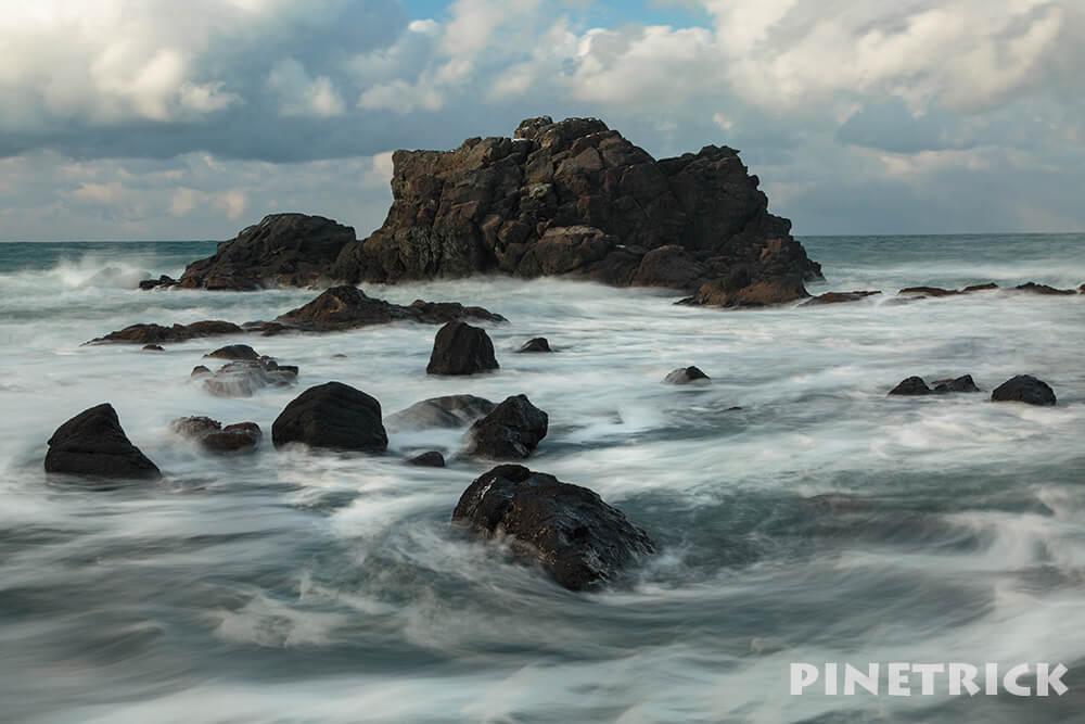 海 岩 スローシャッター 波 撮影