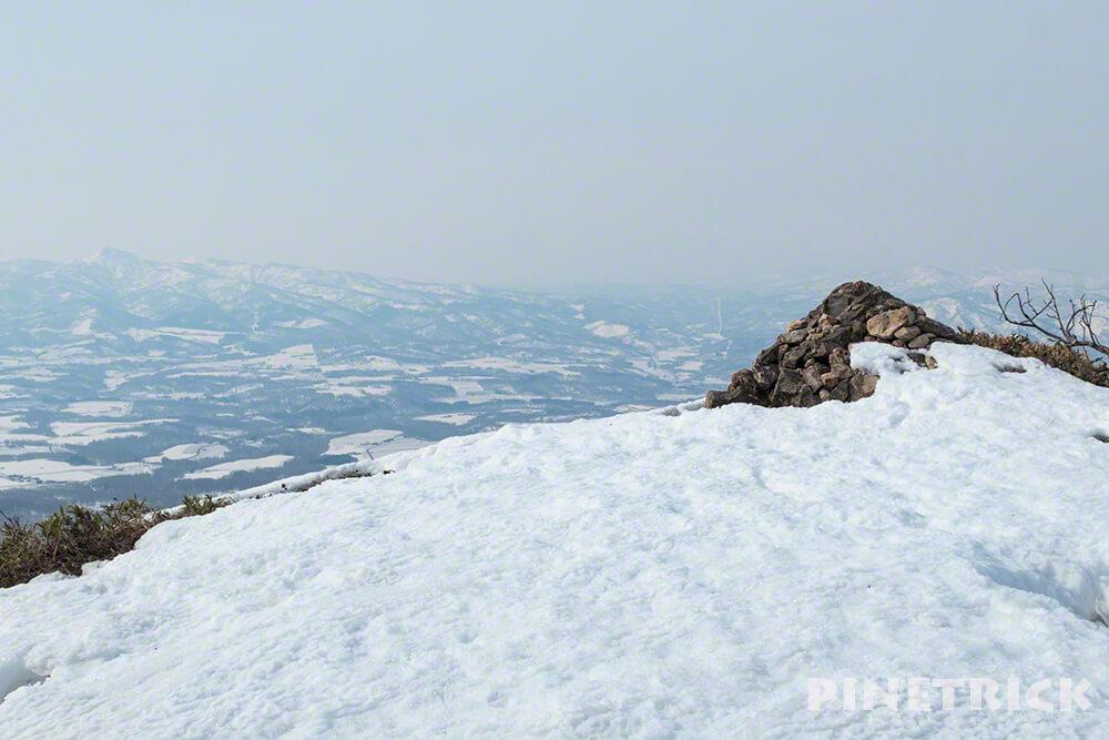 ニセコアンヌプリ 夏道 ケルン スノーシュー アイゼン 登山
