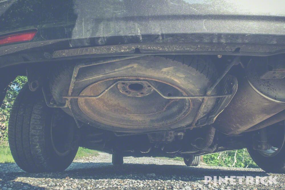 タイヤ交換 パンク スペアタイヤ