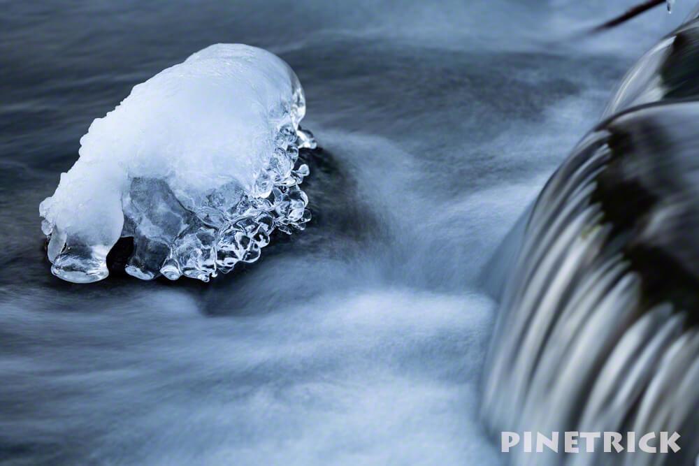 氷 川 スローシャッター 冬 寒い