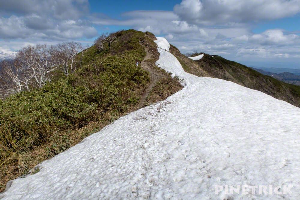 Bコース 神居尻山 山頂 雪渓