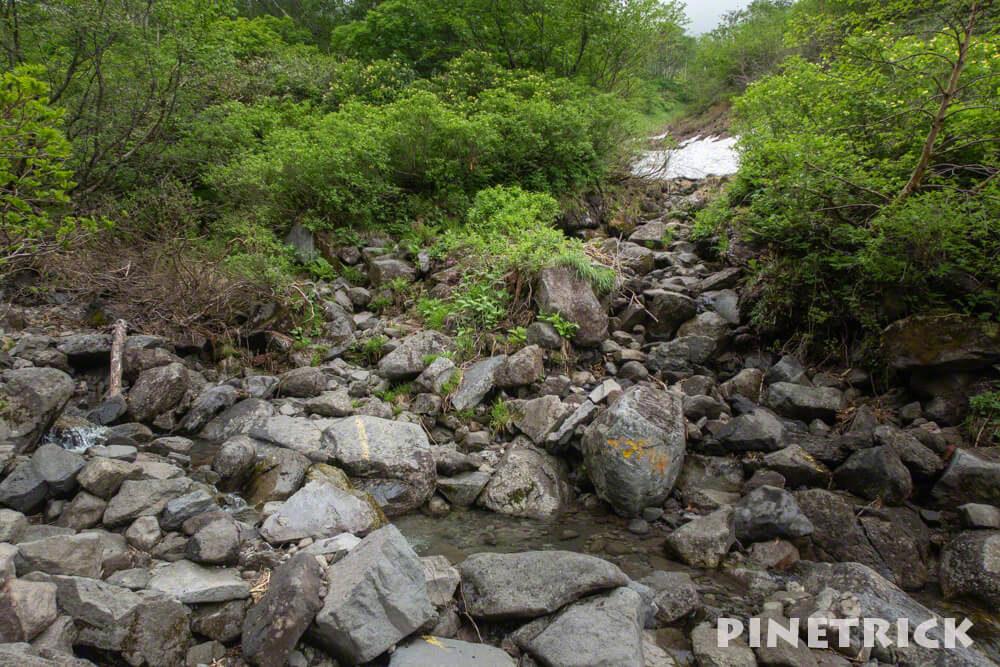 コマドリ沢 雪渓 トムラウシ山 登山 雪解け水