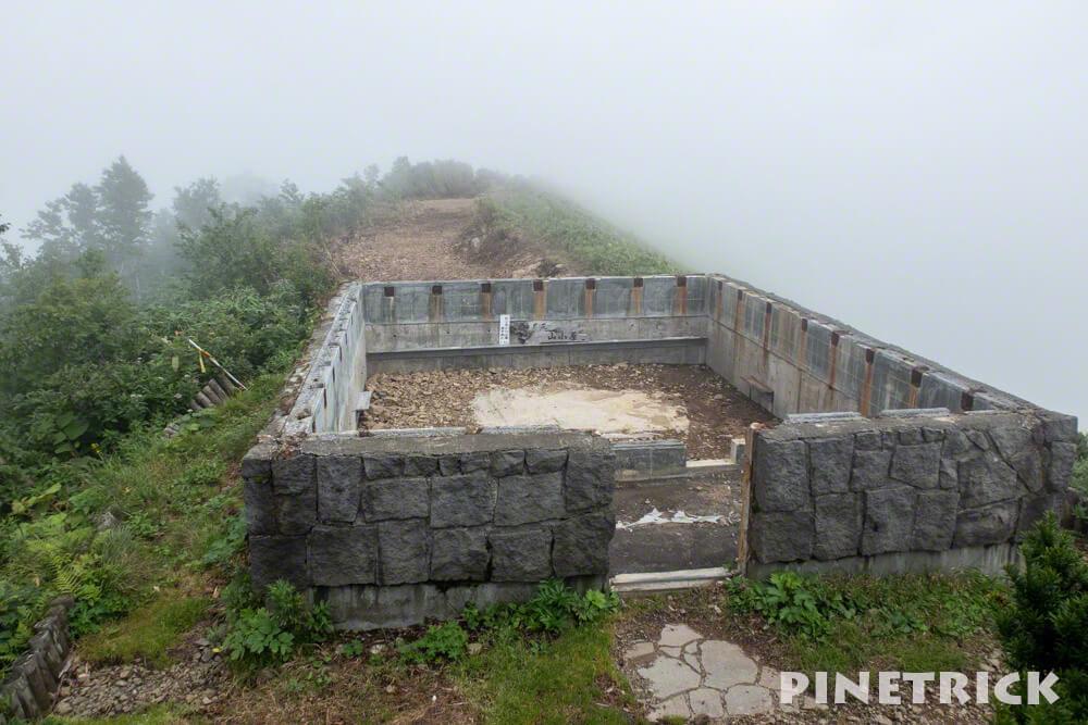 神居尻山 避難小屋 解体 Aコース 土台 登山 道民の森