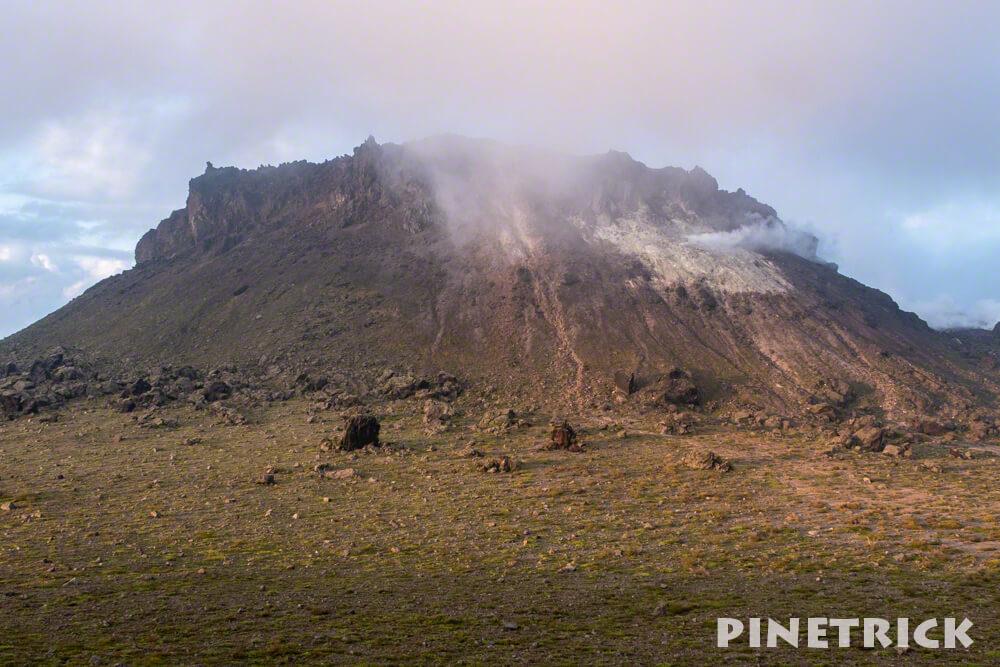 樽前山 サンセット登山 溶岩ドーム 北海道 トレッキング