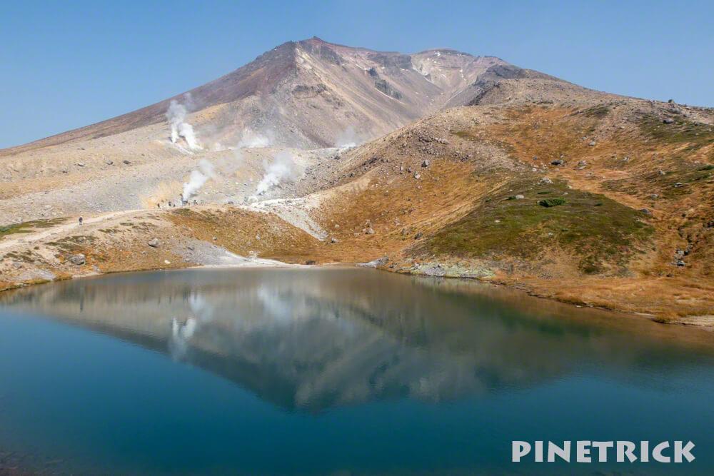 大雪山 旭岳 姿見の池 ミラー 写り込み 観光客 絶景 インスタ映え 噴煙 姿見駅 登山 北海道