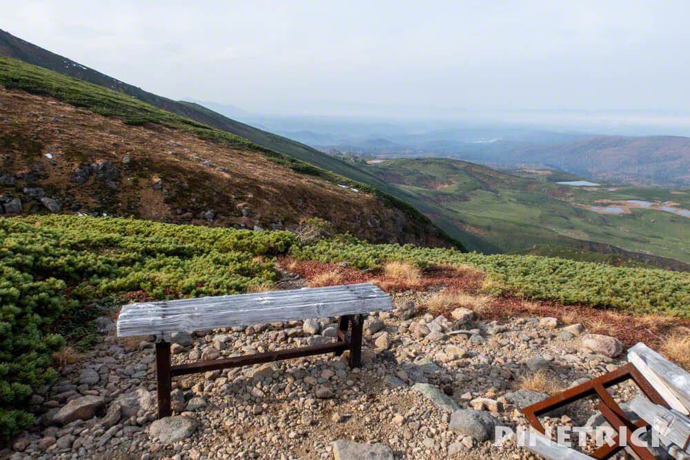 愛山渓温泉 登山 紅葉 沼の平 三十三曲りコース 永山岳 北海道 ベンチ 休憩