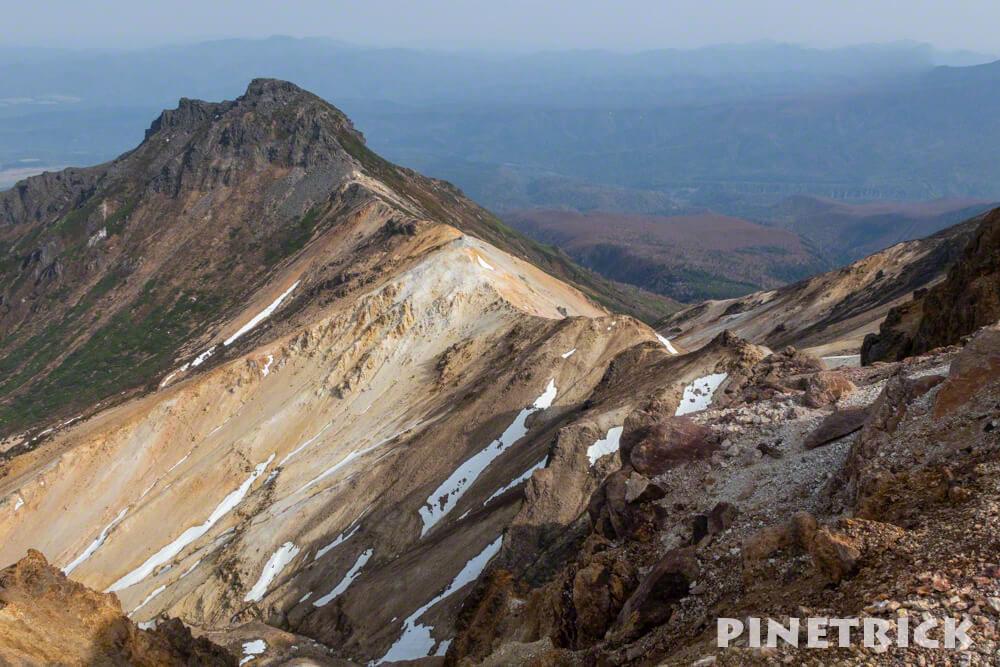 愛別岳 愛山渓温泉 登山 北海道 大雪山 残雪 稜線