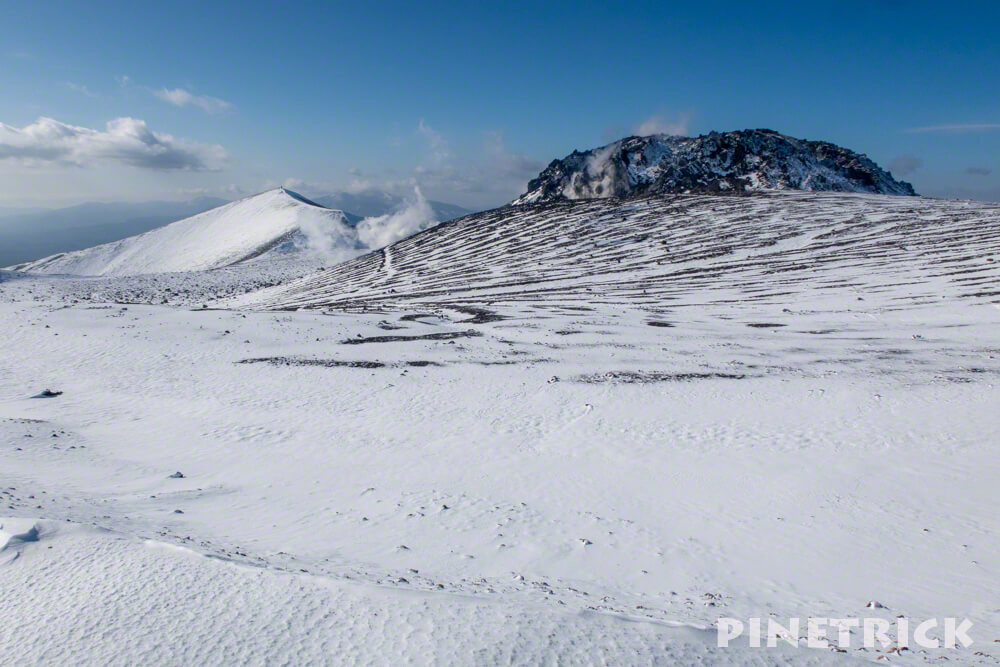 樽前山 溶岩ドーム 西山 冬山 ゼブラ 噴煙 北海道