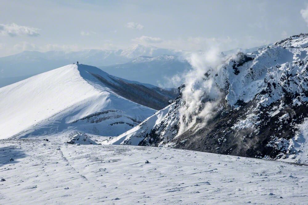 樽前山 登山 冬山 北海道 溶岩ドーム 噴煙 西山
