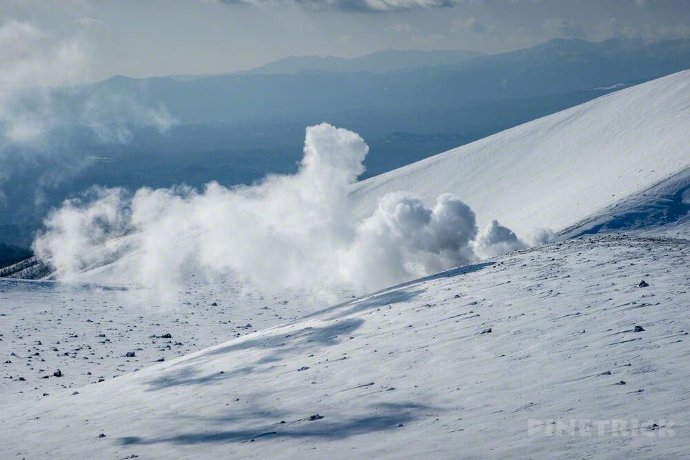 樽前山 噴煙 硫黄 煙 東山山頂 登山 冬山 北海道