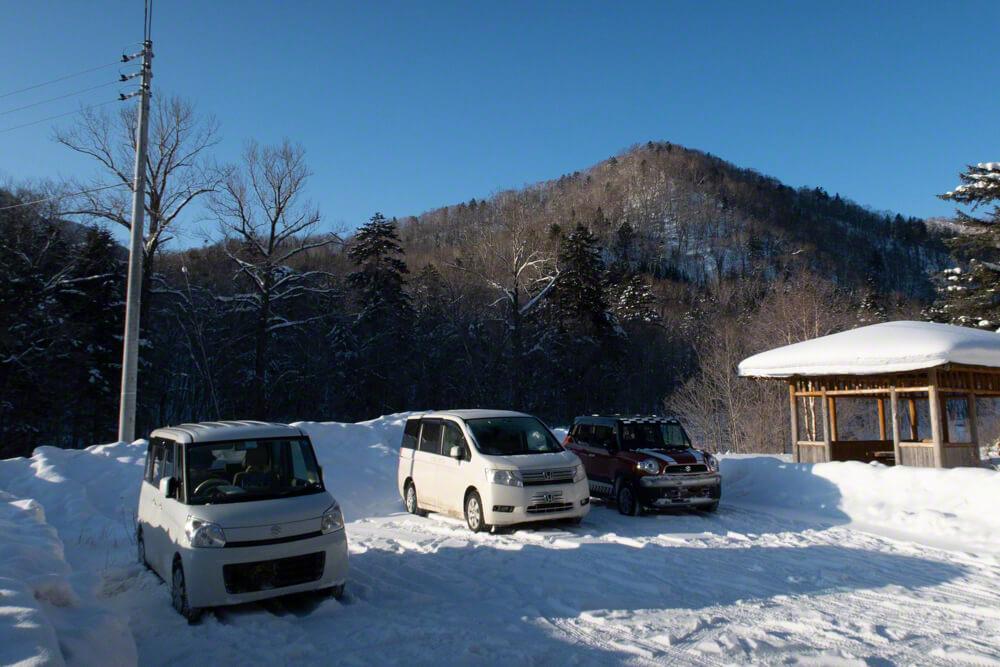 漁岳 駐車場 冬山 登山 北海道
