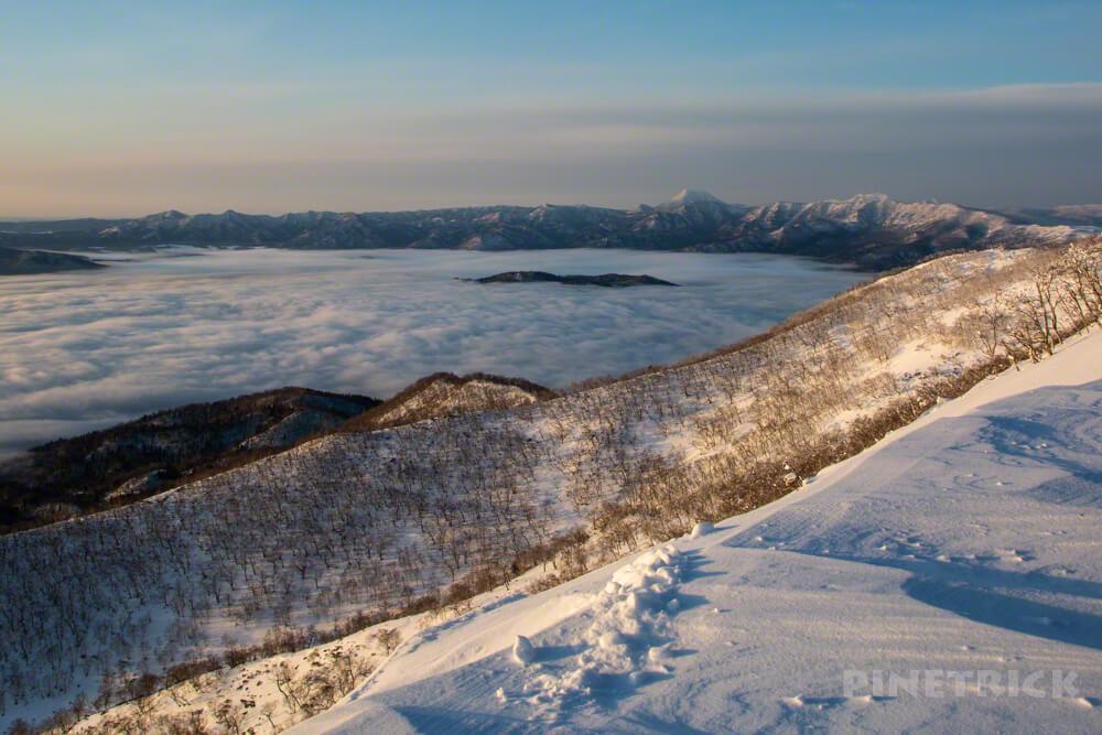 藻琴山 屈斜路湖 中島 雲海 稜線 朝日