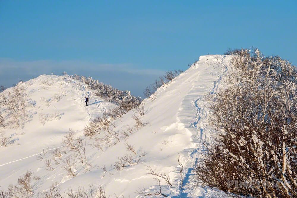 藻琴山 稜線 ボーダー 冬山 北海道 登山