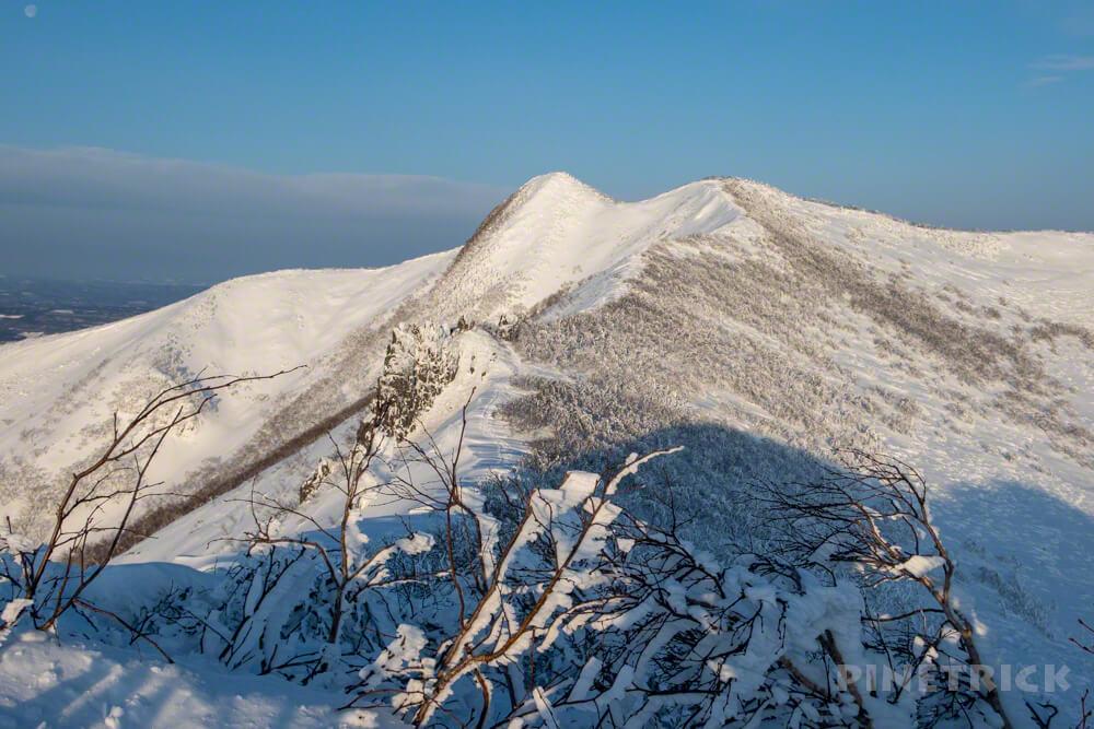 藻琴山 山頂 稜線 冬山 北海道 スノーシュー スノーハイク トレース