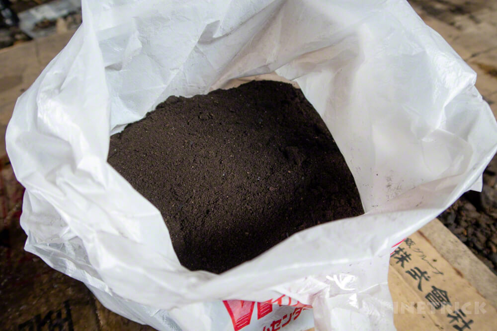 薪ストーブ 煙突掃除 煤