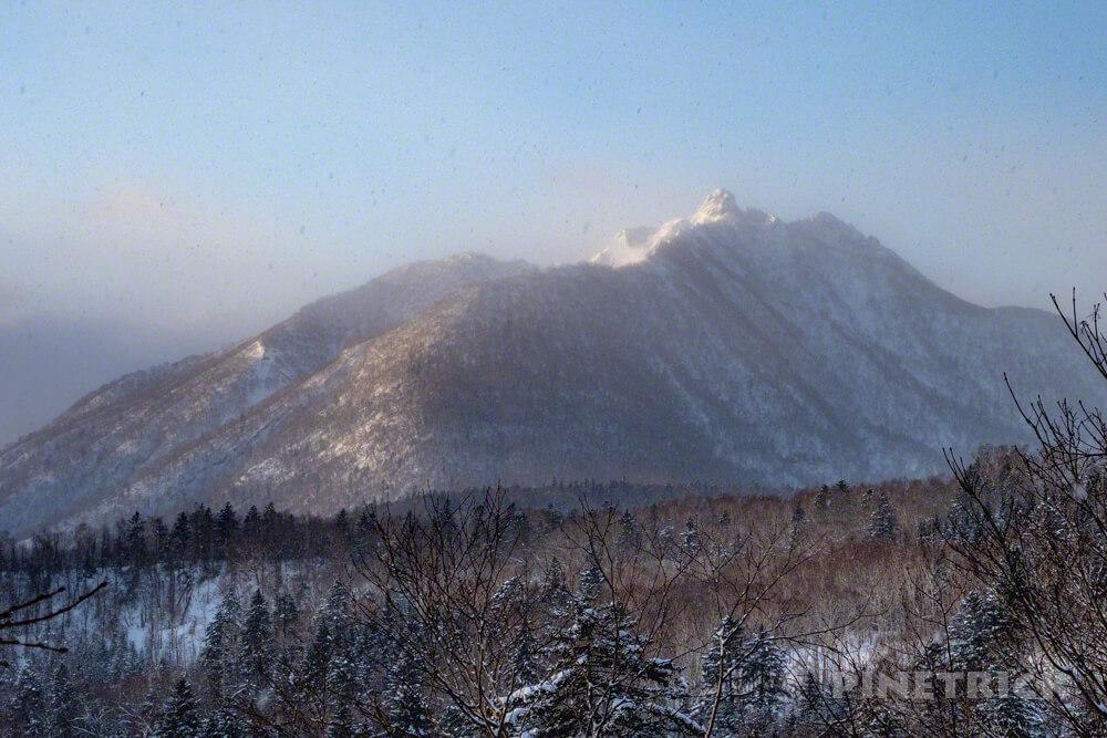 恵庭岳 冬山 登山 朝日 霧 降雪 北海道