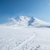 北海道 大雪山 旭岳 トレース スノーシュー スキー ボード 噴煙