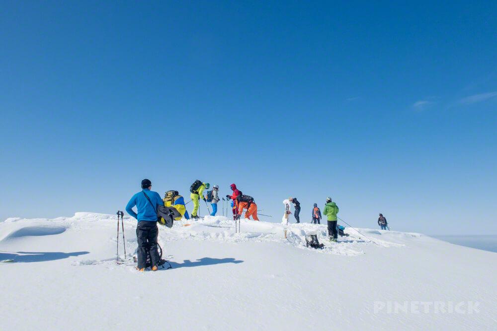 大雪山 旭岳 北海道 登山 冬山 カラフル 山頂 スキー スノーシュー ボード