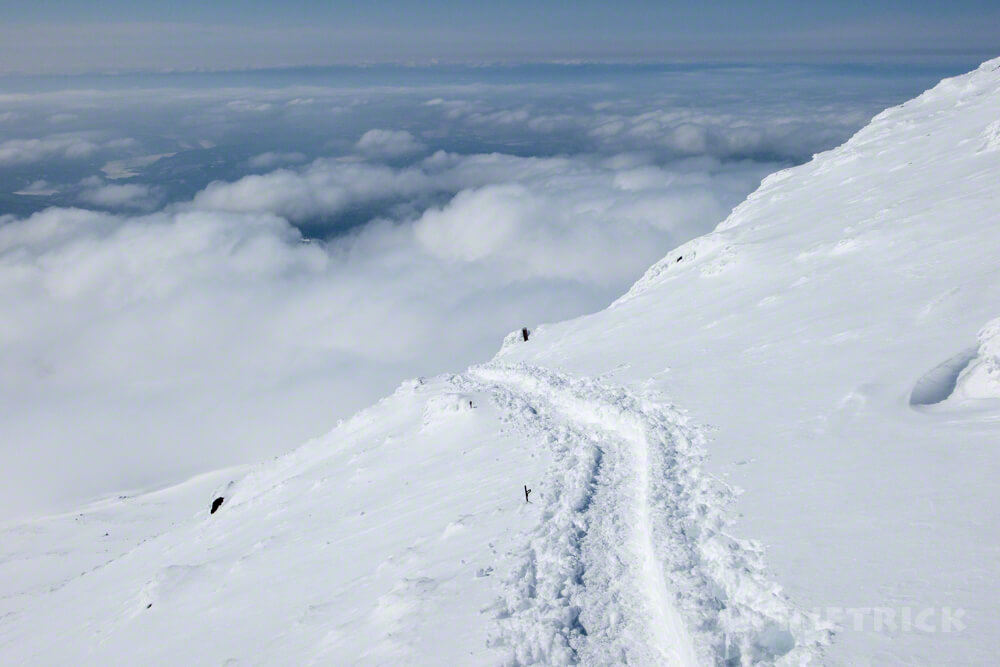 大雪山 旭岳 北海道 登山 冬山 雲 ガス