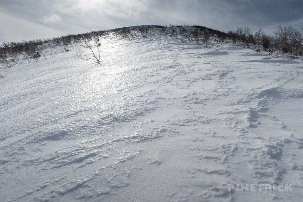 岩内岳 冬山 登山 北海道 スノーシュー バックカントリー スキー スノーキャット 岩内国際スキー場 白樺 尾根 雪庇