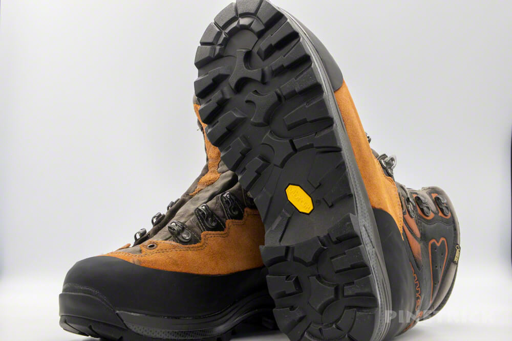 LOWA TICAM ローワ ティカム 登山靴 ソール交換 ラバー 目安 費用 秀岳荘 ビブラム