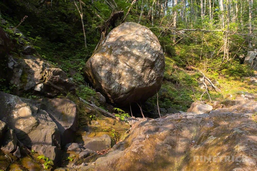 恵庭岳 登山 クライミング 岩 つっかえ棒