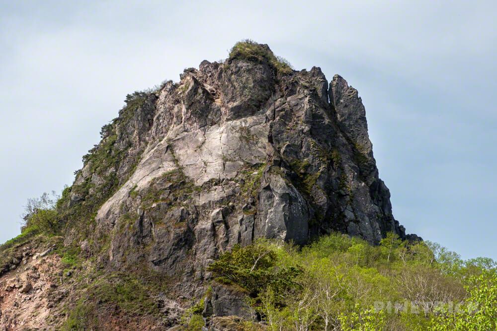 北海道 恵庭岳 山頂 亀裂 クラック 崩落 地震