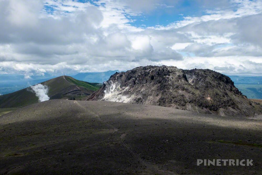 樽前山 東山山頂 登山 北海道 溶岩ドーム 西山 噴煙