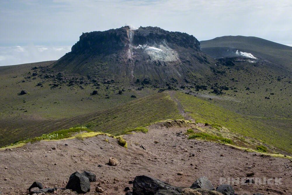 樽前山 溶岩ドーム 西山 噴煙 北海道 登山