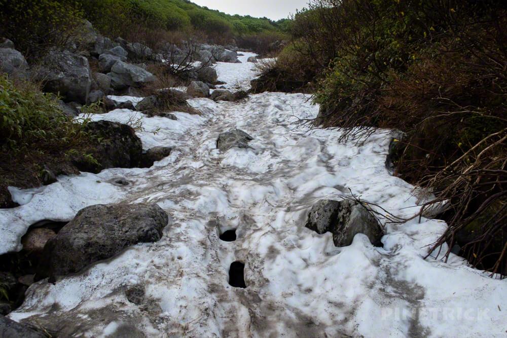 上富良野温泉登山口 雪渓 分岐 登山 北海道