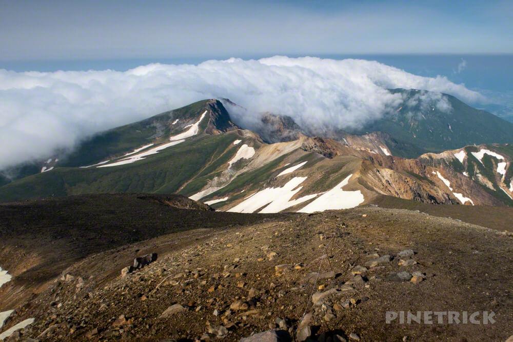 十勝岳連峰 ガス 上ホロカメットク山 登山 北海道