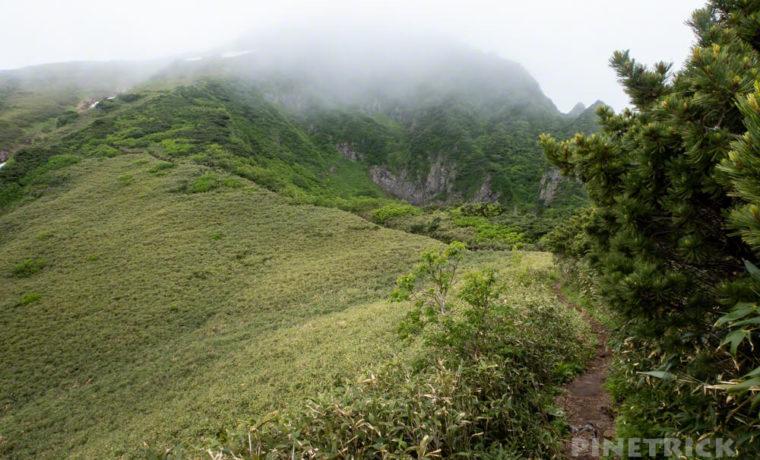芦別岳 登山 北海道 新道コース 急登 雲峰山