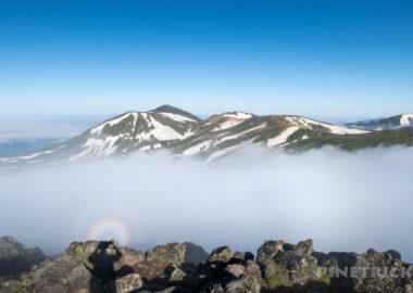 ゼブラ雪渓 雲海 白雲岳 旭岳 絶景 北海道 登山 テント泊
