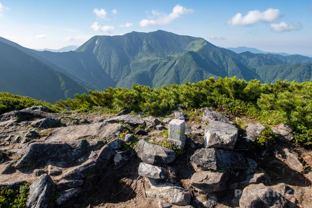 幌尻岳 テント泊 チロロ林道 テラノバ 北海道 百名山 糠平岳 三角点
