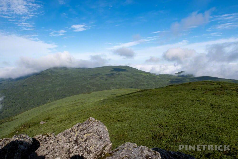 雷電山 岩内岳 目国内岳 山頂 北海道 登山
