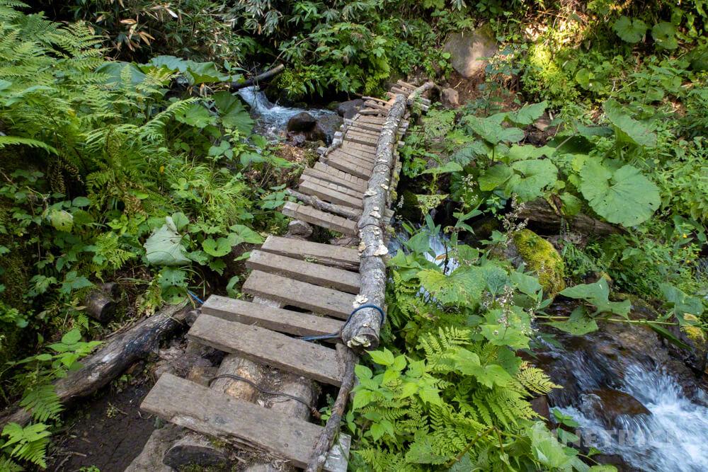空沼岳 登山 北海道 川 橋