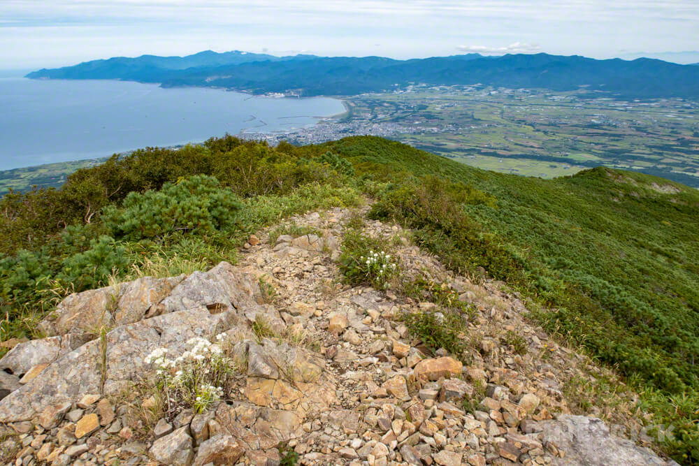 岩内岳 下山 山頂 いわないリゾートパーク 岩内町 日本海 積丹