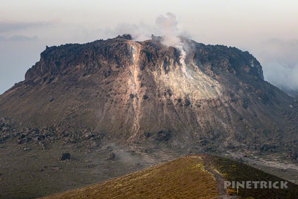 樽前山 お花畑コース 西山 北海道 サンセット登山 溶岩ドーム