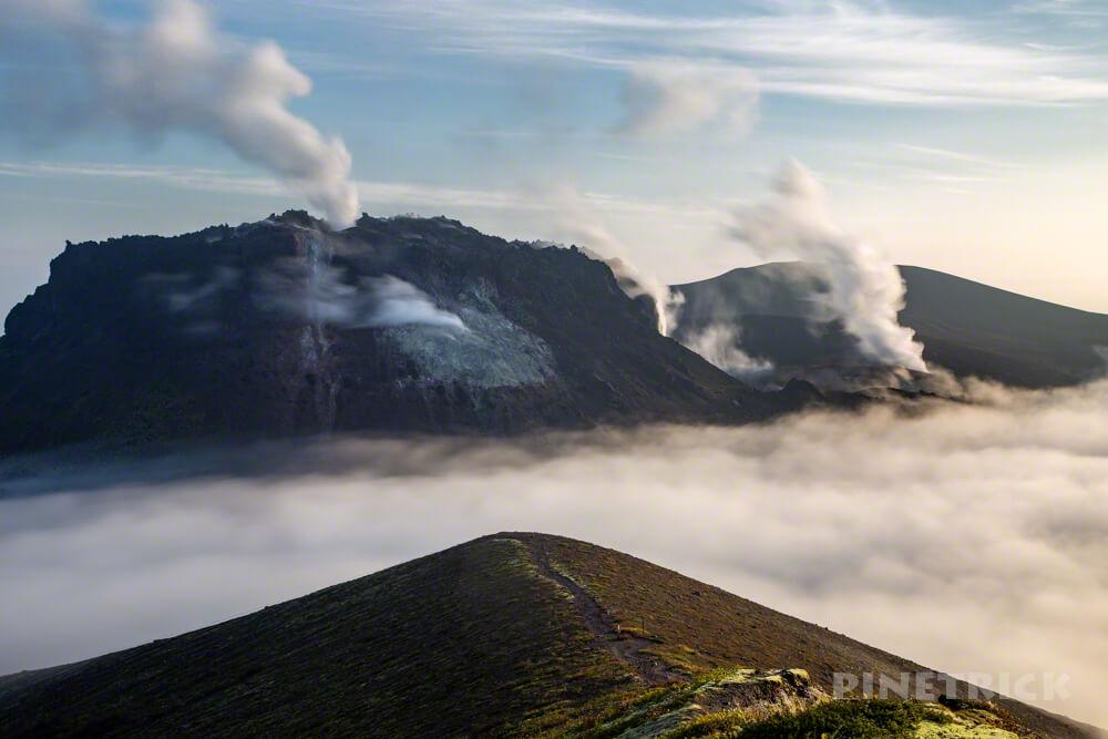 樽前山 溶岩ドーム 噴煙 西山 ご来光 登山 ガス 雲海